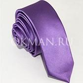 Узкий галстук сиреневого цвета