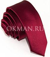 Узкий галстук бордового цвета