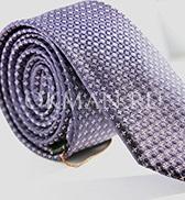 Фиолетовый фактурный галстук с геометрическим повторяющимся рисунком