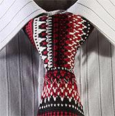 Вязаный галстук с узором в ирландском стиле кирпично-красной и слоновой кости расцветки
