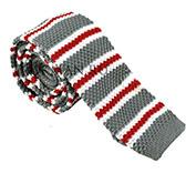 Вязаный галстук светло-серого цвета в бело-красную полоску