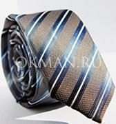 Серо-коричневый галстук в синюю полоску